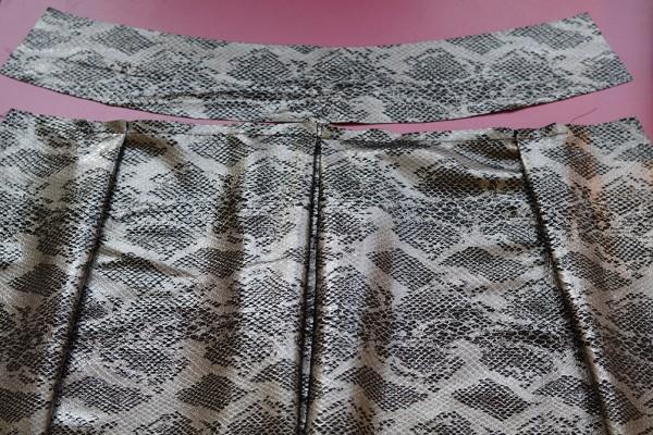 Sewing Leatehr at MariaDenmark.com