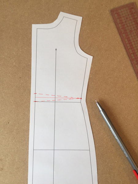 Swayback alteration - draw lines to the side seam